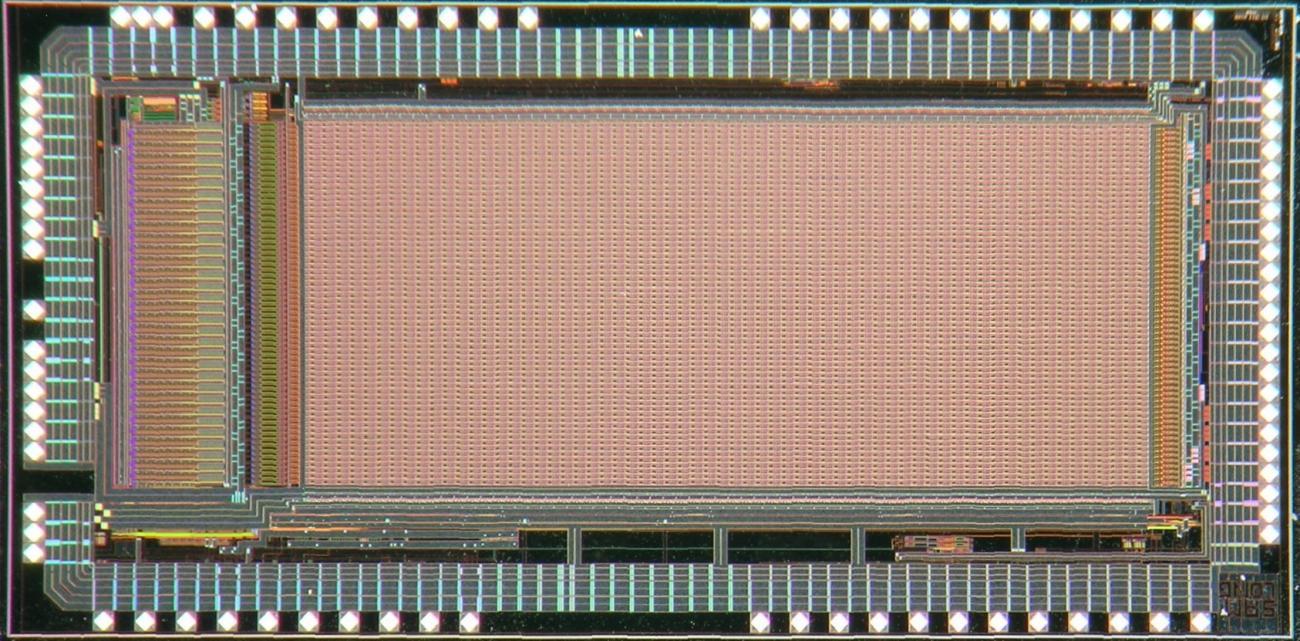 Puce SAMLONG: Le microcircuit SAMLONG (ci-contre) intègre près de 200000 transistors gravés avec une précision de 0.35µm sur une surface d'environ 20mm2. C'est un démonstrateur technologique permettant de tester finement les performances fines de l'é