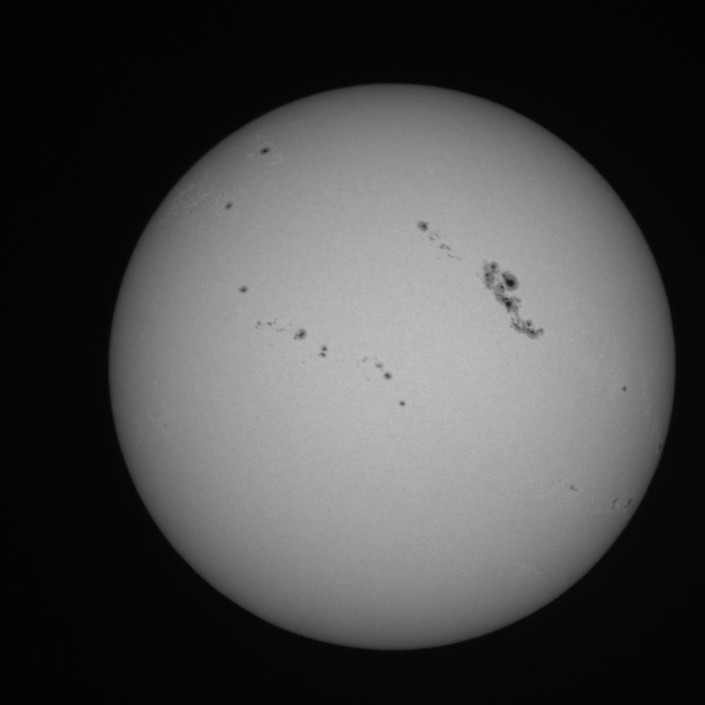 images d observations (du satellite ESA-NASA SoHO, et du Precision Solar Photometric Telescope (PSPT) de la National Science Foundation (NSF) .