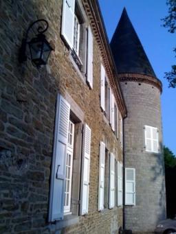 Double-Chooz: le château où a été accueillie l'équipe au travail
