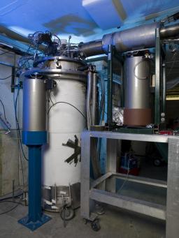 Divers composants de l'accélérateur-A0 North_Cave SuperconductingRadio-tests en station debout