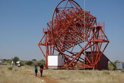 Vues en Namibie de Hess,  télescope consacré à l'exploration du ciel gamma à très haute énergie