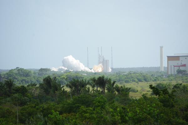 Lancement à Kourou des satellites Planck et Herschel par Ariane 5