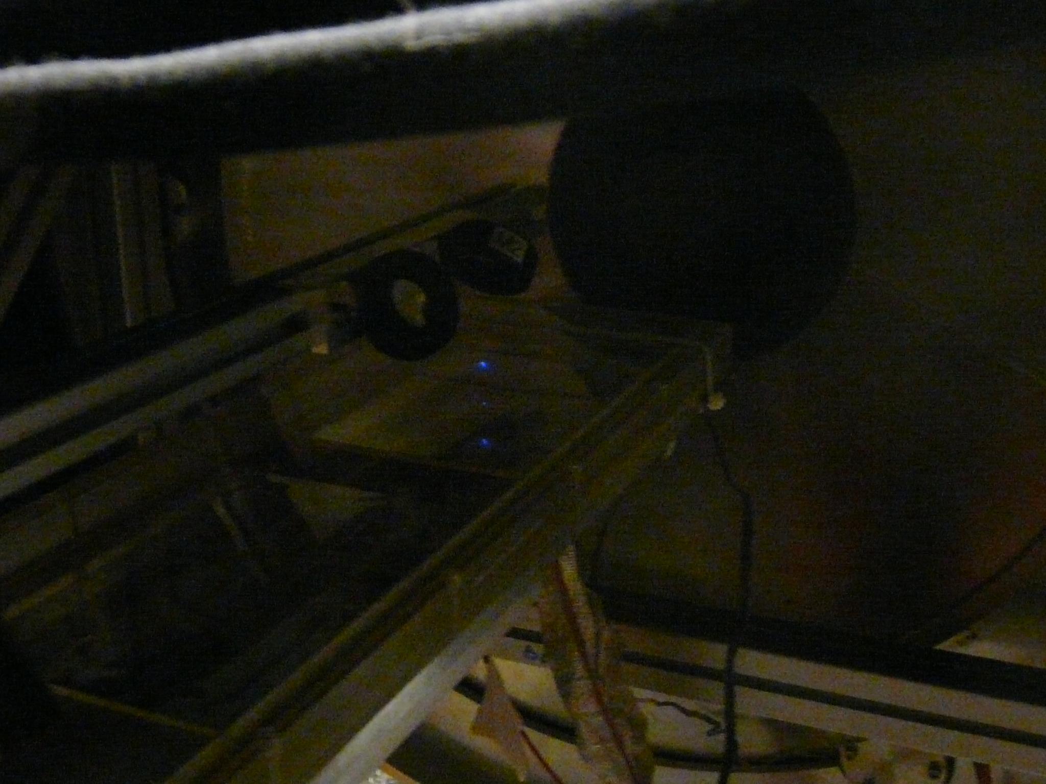 Faisceau laser arrivant sur un proto Micromegas dans le solénoïde de CLAS