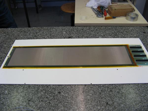 prototype Micromegas fin (100 microns d'épaisseur), à plat