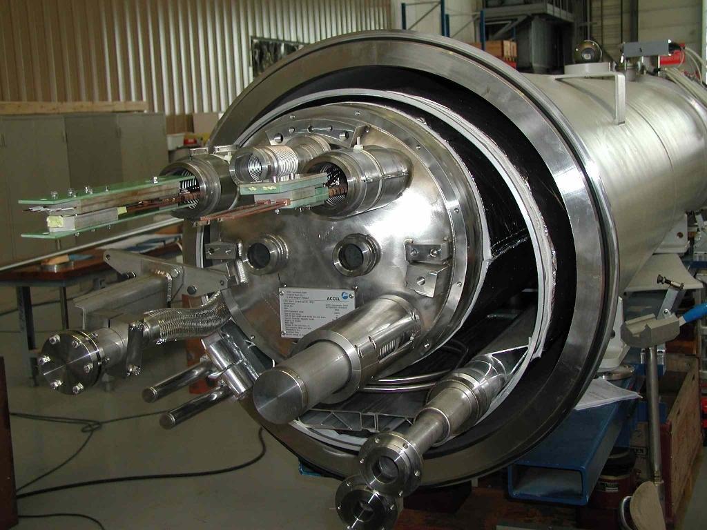 Vue partielle d'un quadripôle pour le LHC