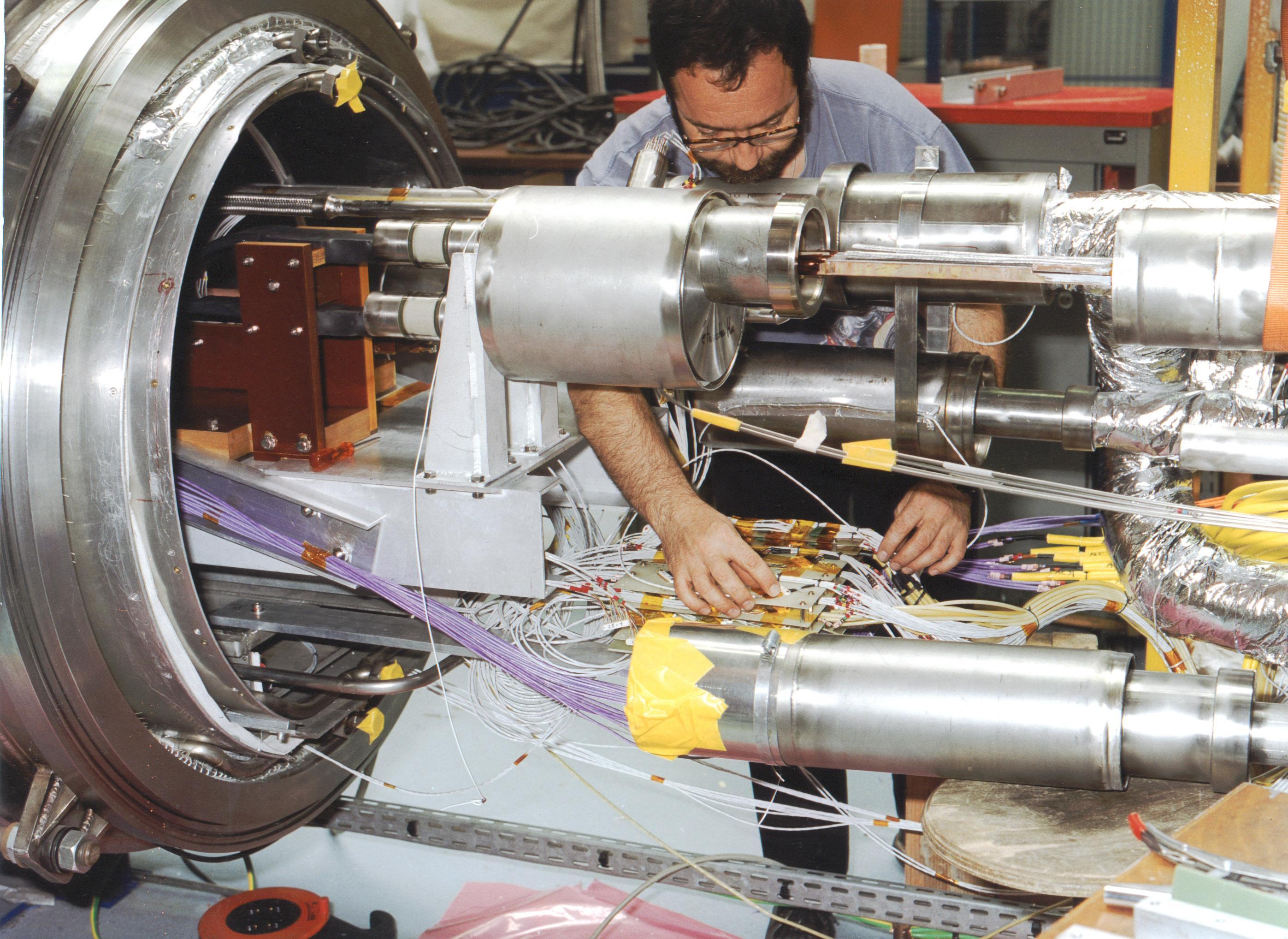 Câblage cryogénique sur l'installation SCHEMA