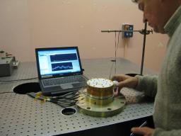 Cryomécanisme sur un banc de test en vibration