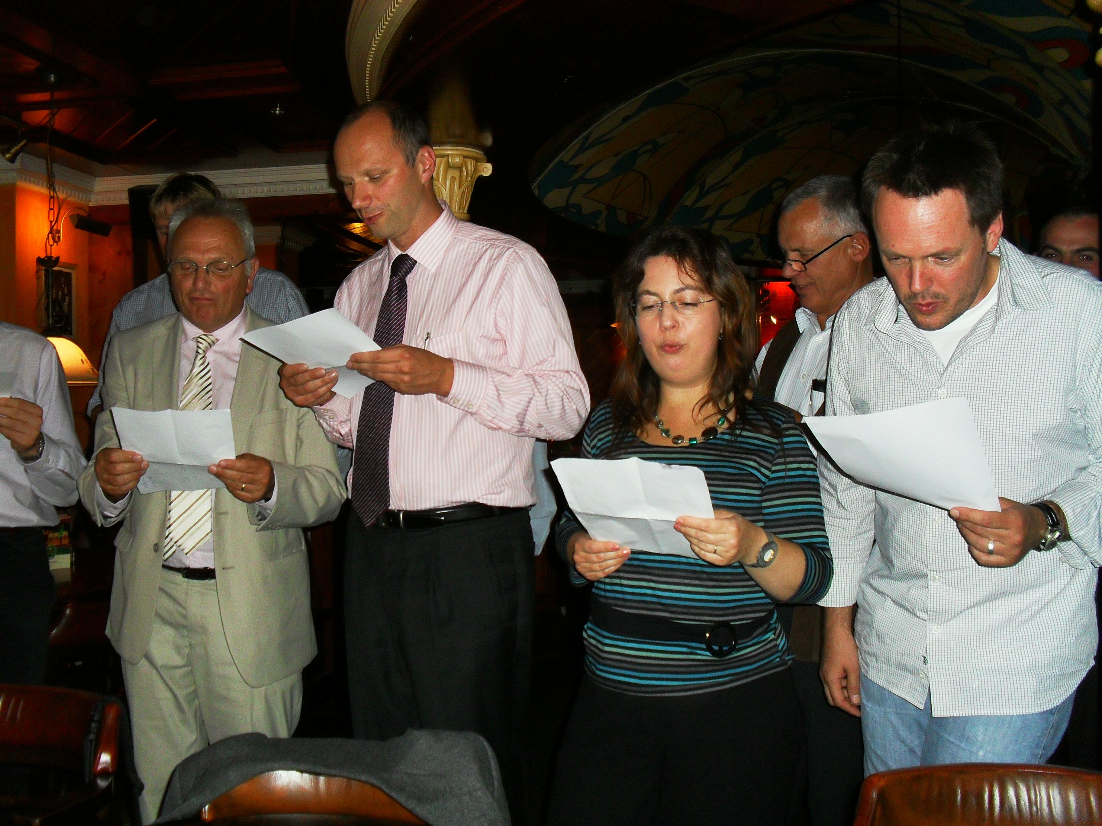 Commémoration à  Greifswald (Allemagne) de la réussite de W7X: équipe W7X -CEA: répétition chanson à l'hotel
