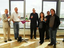 Commémoration à  Greifswald (Allemagne) de la réussite du projet W7X (30-09-2009 à 01-10-2009): Antoine DAEL,Didier CHAUVIN,Laurent GENINI, Laurence VIEILLARD, Pascal GODON,Thierry SCHILD (Service Irfu/SACM)