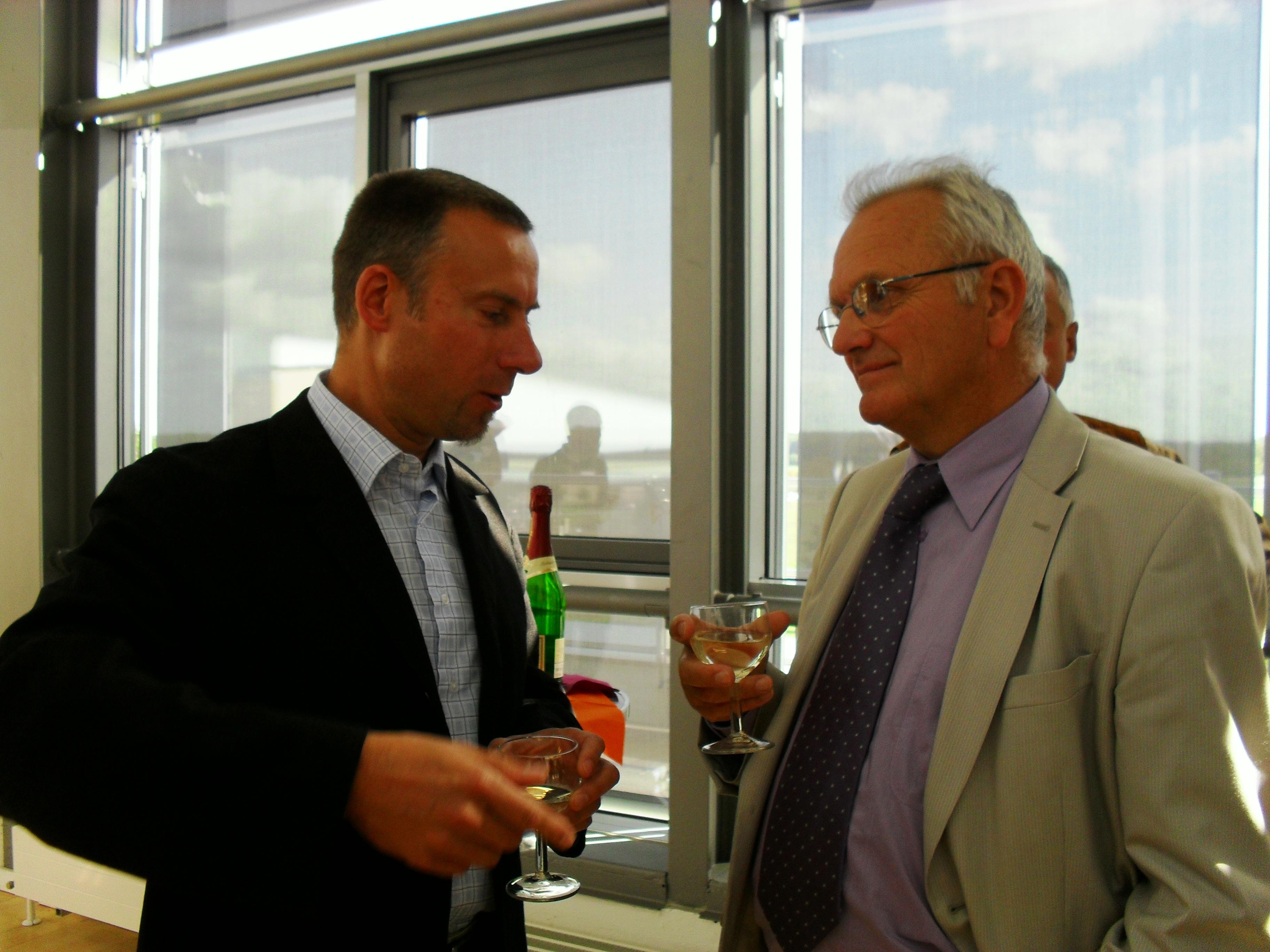 Commémoration à  Greifswald (Allemagne) de la réussite du projet W7X (30-09-2009 à 01-10-2009): Holger VIEBKE et Antoine DAEL après les exposés