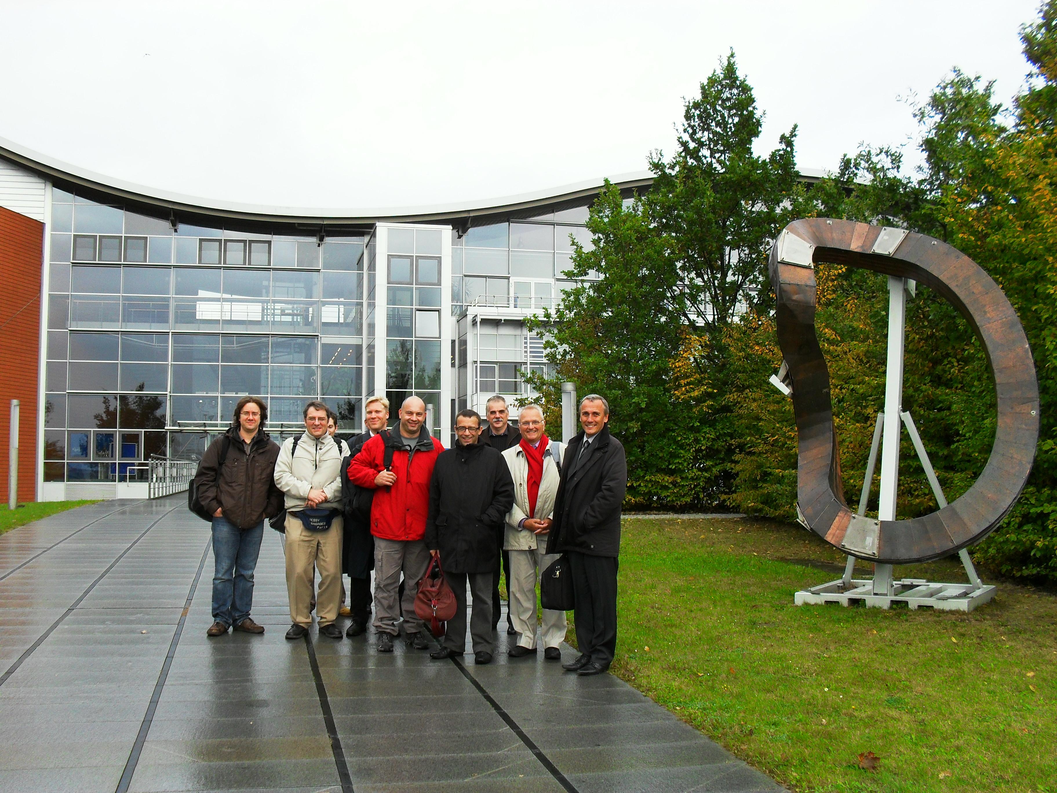 tous les collaborateurs de W7X-France et W7X-Allemangne, devant l'Institut IPP de Greifswald (Allemagne)-cf commentaires