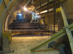 Vue du laboratoire Neutrino de Double Chooz pendant l'installation du bac de rétention