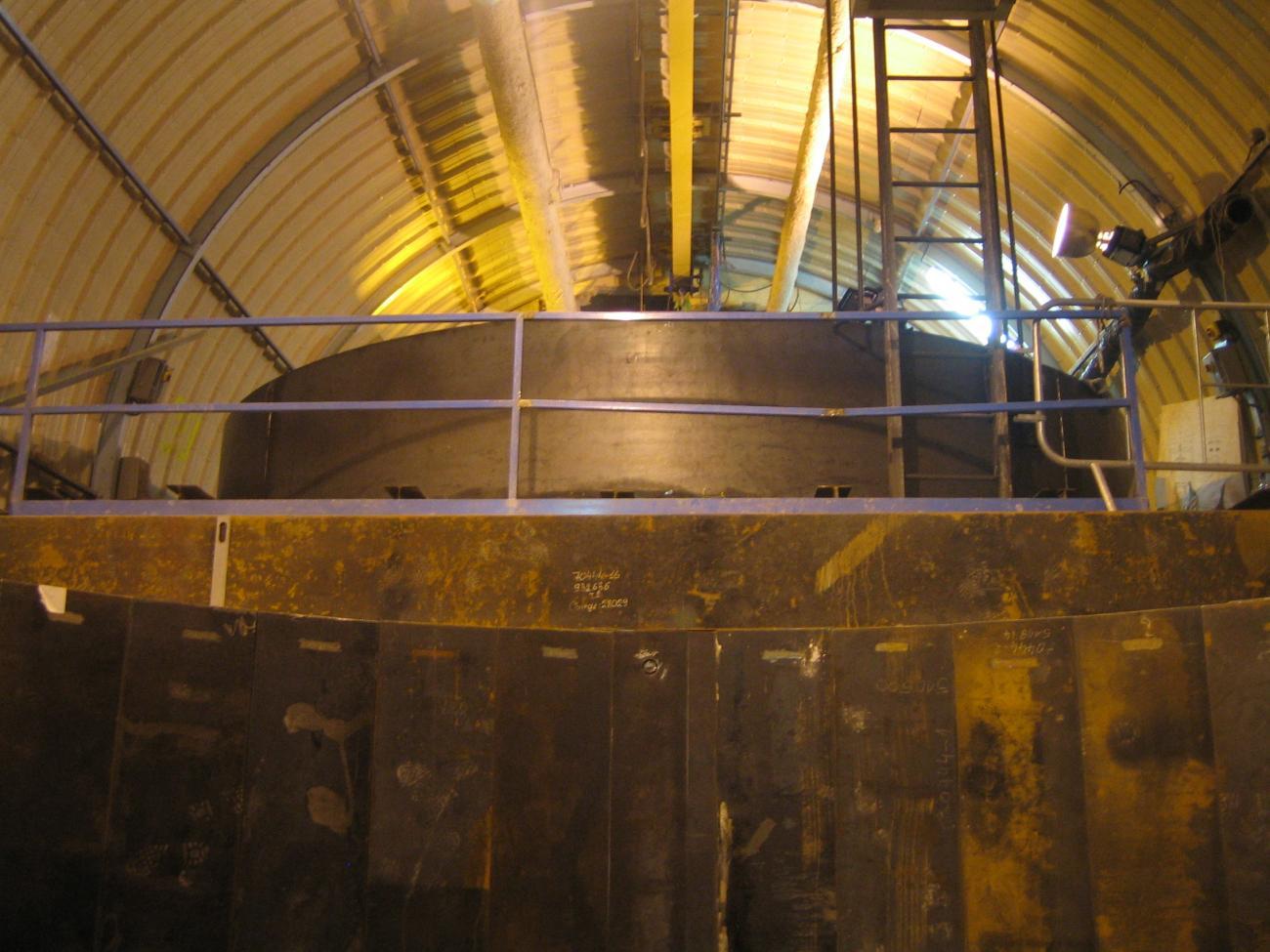 Vue du laboratoire neutrino depuis le puit après la pose du blindage de 250 tonnes