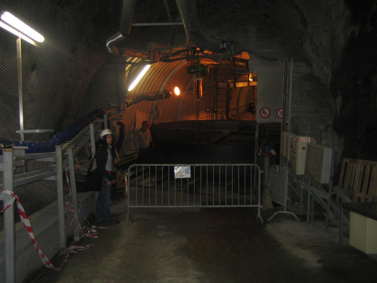 Vue de l'entrée du laboratoire neutrino en travaux