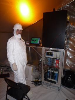 Test des tubes photomultiplicateurs avant leur intégration dans le détecteur Double Chooz