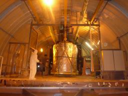 Arrivée de l'enceinte Cible de l'expérience Double Chooz dans le labo neutrino