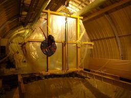 Transfert de l'enceinte Gamma Catcher au dessus du puits