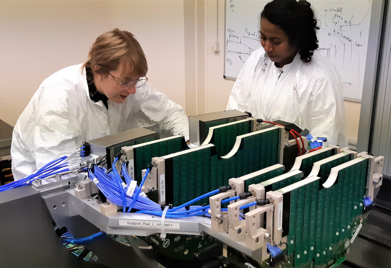 Commissioning en laboratoire du détecteur MFT totalement assemblé