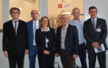 Inauguration d'une salle d'intégration pour la cryogénie spatiale