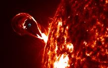 Comprendre et prévoir les éruptions solaires