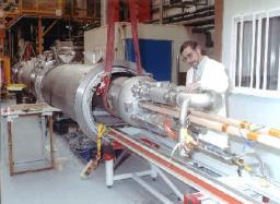 Horizontal Cryogenic Station for Magnetic Tests (SCHEMa)