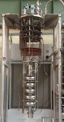 Cryostats verticaux pour tests de cavité