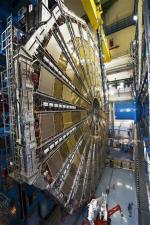 Physique des particules aux collisionneurs hadroniques - Atlas au LHC