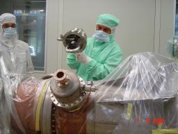 Cryomodules pour machines à rayonnement synchrotron