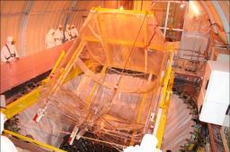 Des cuves extraordinaires pour voir des neutrinos