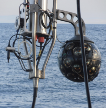 Un photodétecteur de nouvelle génération pour les télescopes à neutrinos sous-marins