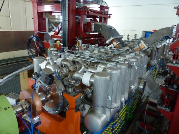 The IPHI high-intensity proton injector
