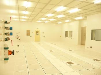 Chemistry laboratory and clean-room (Saclay)