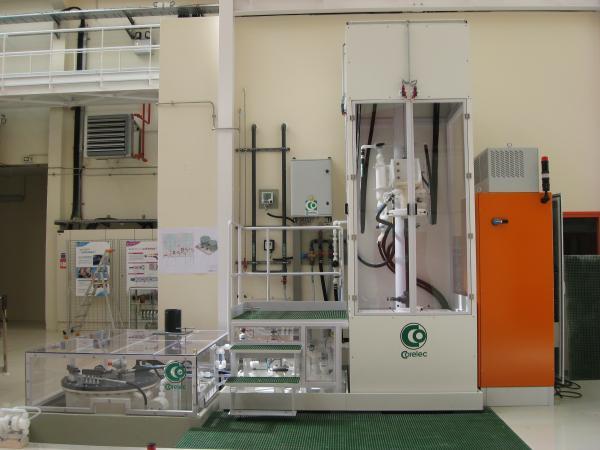 Vertical electropolishing cabinet