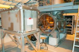 Cryostat horizontal pour tests de cavité