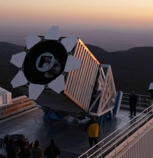 Les objets les plus lumineux de l'Univers à l'assaut de la relativité générale