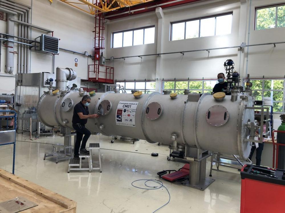 L\'Irfu livre à la collaboration ESS le premier cryomodule de série