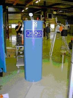 Cétacé  (Cryostat  d'essais à température ajustable et champ élevé)